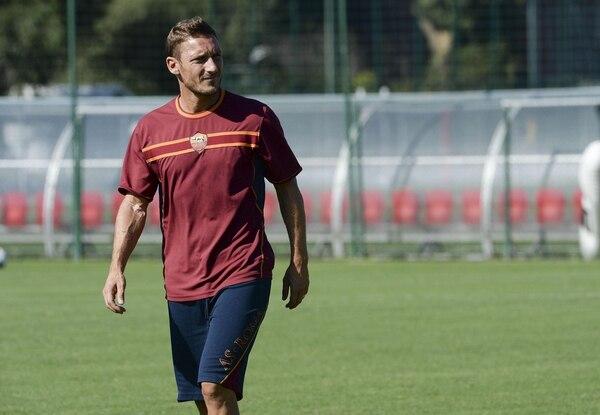 Francesco Totti será jugador de la Roma hasta el 2016.