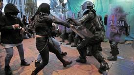 Alcaldesa de Bogotá pide perdón por brutalidad policial