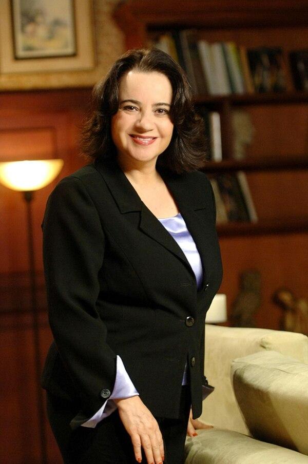 Le creció la familia. Doña Tere es una mujer dulce que acogió como hijos suyos a los inquilinos de la pensión. Eso sí, con los años se volvió bastante tacaña. Producciones La Zaranda