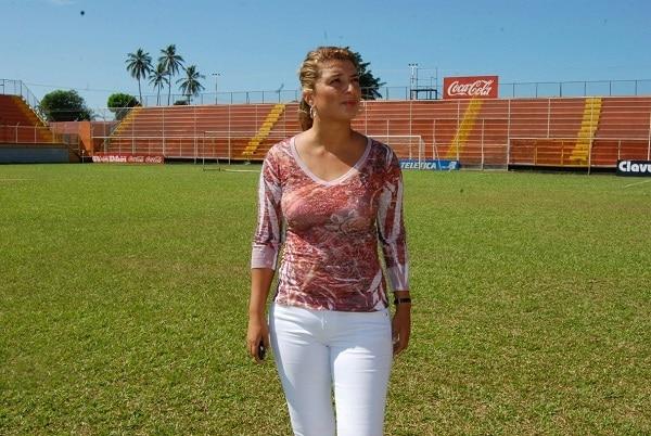 Alejandra Ordoñez en el estadio Lito Pérez de Puntarenas.