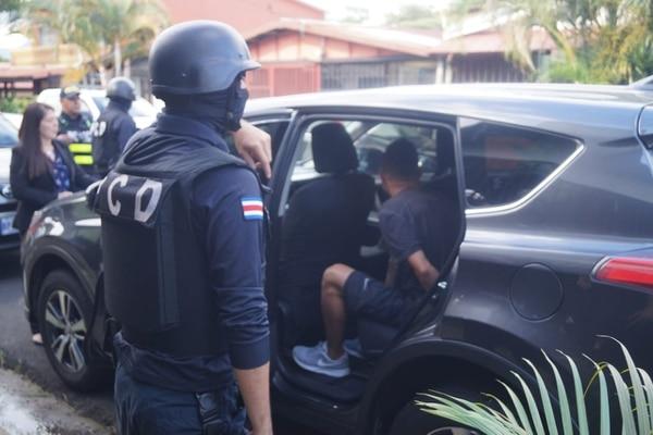 Agentes de la PCD detuvieron a cinco sospechosos de integrar la narcobanda.