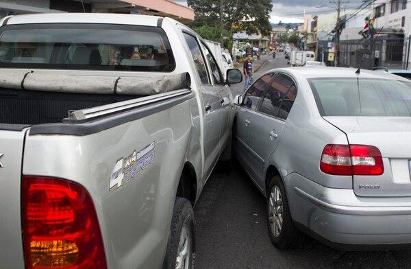 Los conductores deben portar la DAM impresa en el vehículo para llenarla y firmarla en caso de choques leves.