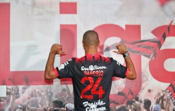 Álvaro Saborío está disfrutando al máximo en Alajuelense. Fotografía: John Durán