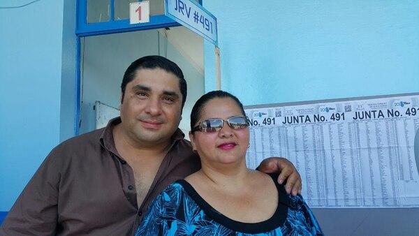 Carlos Arrieta Segura y su esposa Floria Arley.