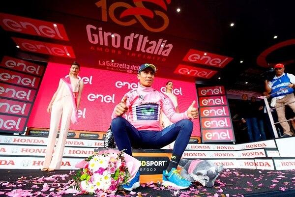 Nairo Quintana vuelve a vestirse de rosa, algo que no hacía desde que ganó el Giro en 2014.