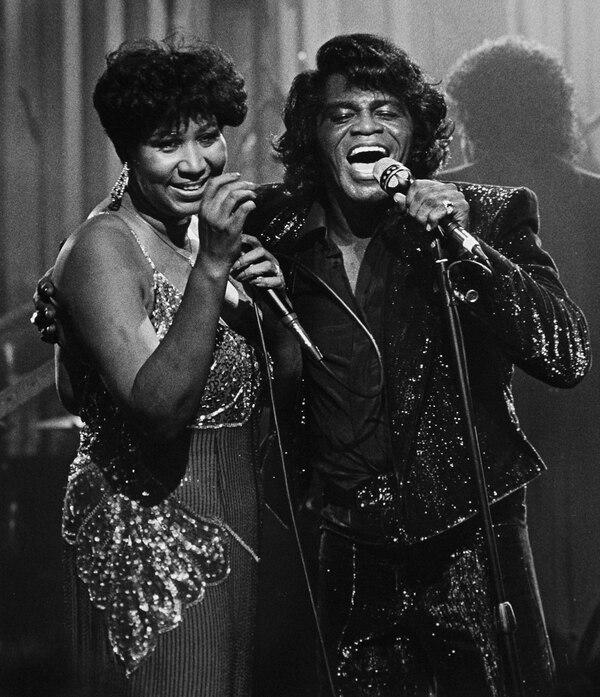 Aretha Franklin y James Brown se presentaron juntos en Taboo, un centro nocturno de la ciudad de Detroit, en Estados Unidos. Fotografía: AP
