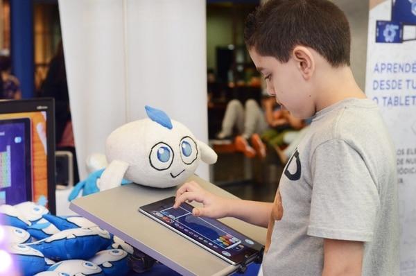 Atomik Monsters es una plataforma mediante la cual los niños y jóvenes aprenden Química por medio de un videojuego. Foto: Jean Carlo Gómez.