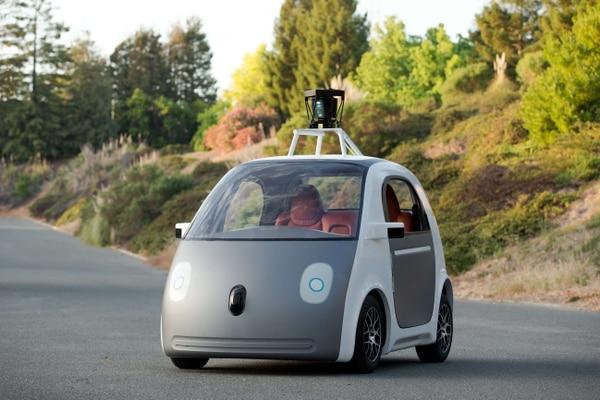 El vehículo autónomo de Google utiliza batería y podrá alcanzar una velocidad de 40 Km por hora.