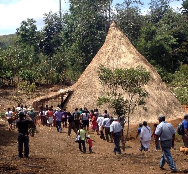 Construcción fue producto de un intercambio de conocimientos ancestrales entre personas mayores y jóvenes conocedoras de Talamanca y Cabagra.