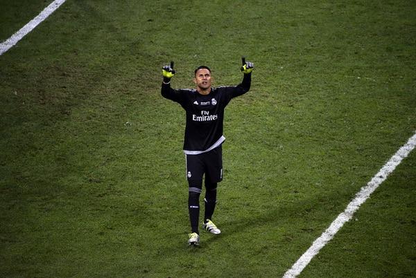 Keylor Navas tras el fallo de un penal que le permitió coronarse, junto con su equipo el Real Madrid, como campeón de Europa.