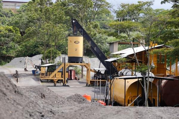 Las cuatro plantas por las que se pagó casi ¢4.000 millones están en desuso. Foto: Albert Marín.