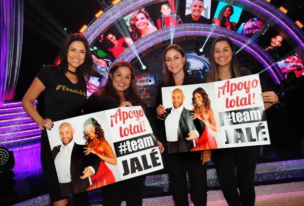 Johanna Ortiz, Gaby Angulo, Priscilla Ramírez y Angie Medina, fueron las cuatro amigas que llegaron a hacerle barra a Jalé Berahimi.