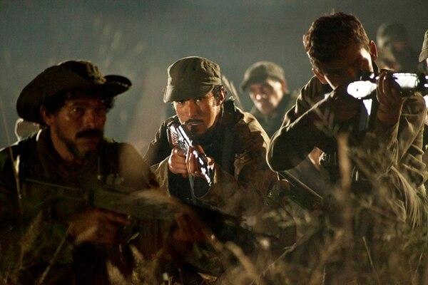 La producción de 'Tres Caínes' se esmeró por representar de la mejor manera los encuentros que tuvieron los hermanos con las Fuerzas Armadas Revolucionarias de Colombia.   REPRETEL PARA LN