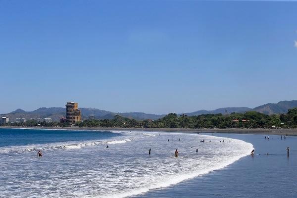 Engalanados por su cotizada playa, el pueblo de Jacó celebrará sus primeros Carnavales a partir de este fin de semana. Fotografía: Rafael Pacheco.