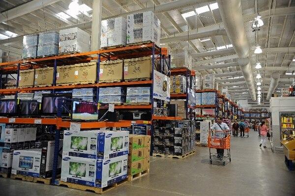 Luego del accidente, el supermercado aumentó la seguridad en el acomodo de la mercadería. | ARCHIVO,