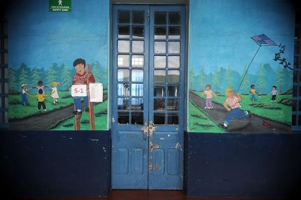Escuela República de Argentina en Barrio México cerrada por huelga