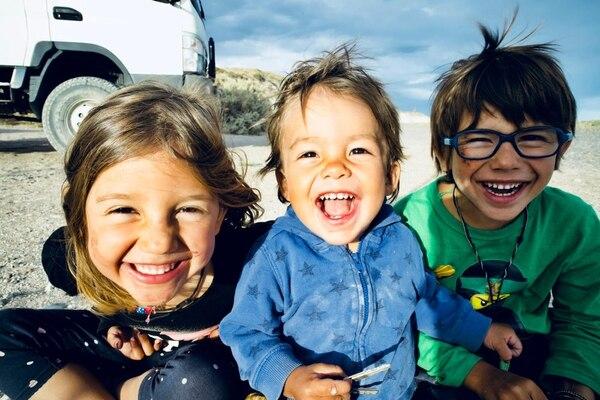 A Marta y a Daniel con frecuencia les dicen que sus hijos son muy inteligentes y que tienen un amplio conocimiento. Foto: Los Mundo para LN.
