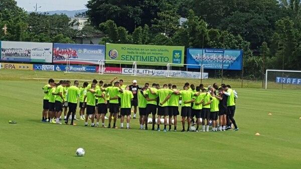 Entrenamiento de la Selección Nacional en el Proyecto Gol en San Rafael de Alajuela.