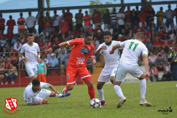 Berny Solorzano anotó 12 tantos en la fase regular con Cartagena San Ramón. El experimentado delantero es la principal arma en la ofensiva de los poetas. Cortesía: San Ramón