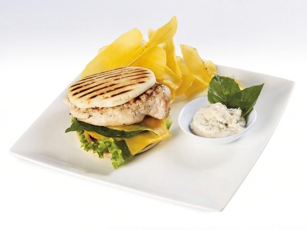 La Receta: Hamburguesa de pechuga de pollo a la parilla con mango