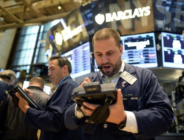 El índice ampliado Standard & Poor's 500 bajó 1,21%