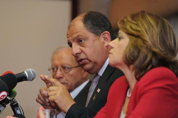 Luis Guillermo Solís dará un ministerio a Helio Fallas y la coordinación social a Ana Helena Chacón, quienes son sus vicepresidentes. | ALBERT MARÍN.