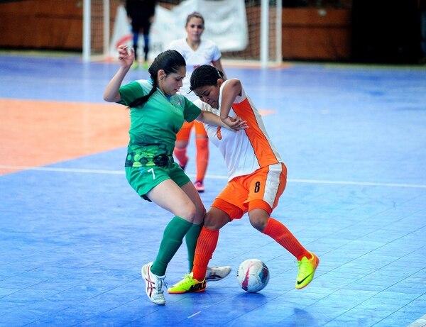 Puntarenas obtuvo una cómoda victoria sobre Limón esta mañana, 10-3, en el futsal femenino de los Juegos Nacionales 2014