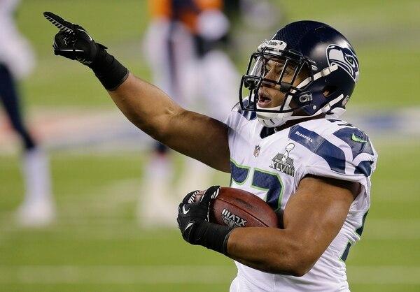 Malcolm Smith, de los Seahawks de Seattle, fue declarado el jugador más valioso del Super Bowl que su equipo ganó el domingo ante los Broncos de Denver.