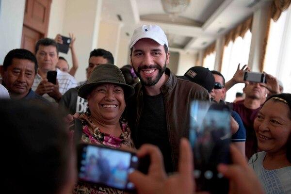 El aspirante presidencial por la Gran Alianza Nacional (GANA), Nayib Bukele, departió el domingo 13 de enero del 2019 con simpatizantes en San Salvador.