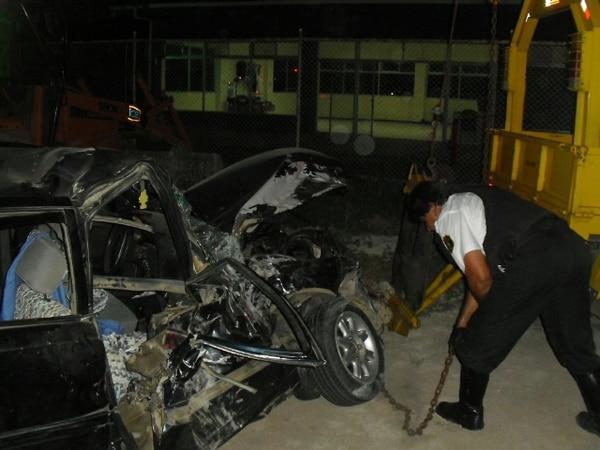 Este es el auto en el que viajaban la víctima, el hombre y la menor.   JULIO SEGURA