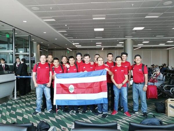 Costa Rica participará por primera vez en los Juegos Para Panamericanos en la disciplina del Fútbol 5. El equipo salió este lunes hacia LIma. Cortesía Comité Olímpico