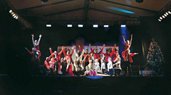 Durante seis años el coro Laus Deo ha hecho giras gratuitas para la época navideña. | GERARDO ZAMORA PARA LA NACIÓN