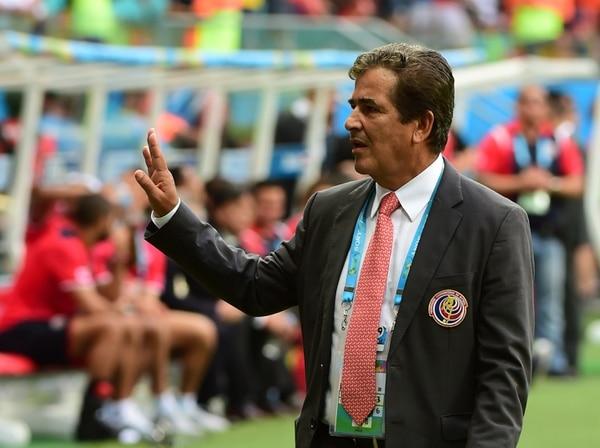 Jorge Luis Pinto en el encuentro entre Costa Rica y Holanda.