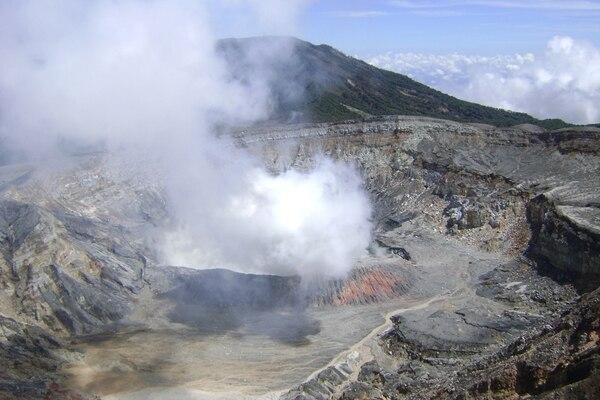 Aspecto del cráter del Volcán Poás hasta inicios del 2017.