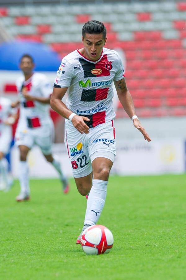 Rónald Matarrita se consolidó en la Liga en tres años. | ARCHIVO
