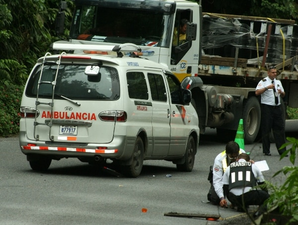 Pese a maniobras de socorristas, el motociclista falleció en el lugar. | REINER MONTERO