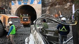Dramático esfuerzo en India por rescatar a 34 personas bloqueadas en un túnel