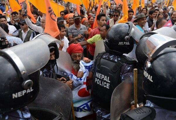 Las protestas contra la nueva Constitución han dejado 39 muertos