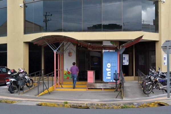 La Municipalidad de Alajuela dejó sin utilizar el 32%, pero por tener un presupuesto grande, es la que tiene el monto más alto sin usar. Foto: Shirley Vásquez