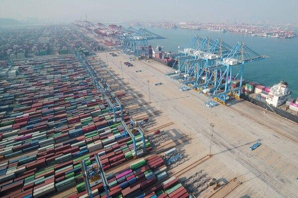 La merma en las exportaciones chinas es una sorpresa relativa, ya que los expertos encuestados por la agencia Bloomberg esperaban un aumento de las exportaciones (+0,8%).