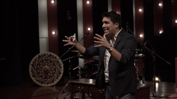 Diego Vargas no volverá a estar frente a un escenario repleto de personas durante un largo tiempo, pero eso no lo desmotiva para continuar con lo que más le apasiona: hacer magia. Foto: cortesía Diego Vargas