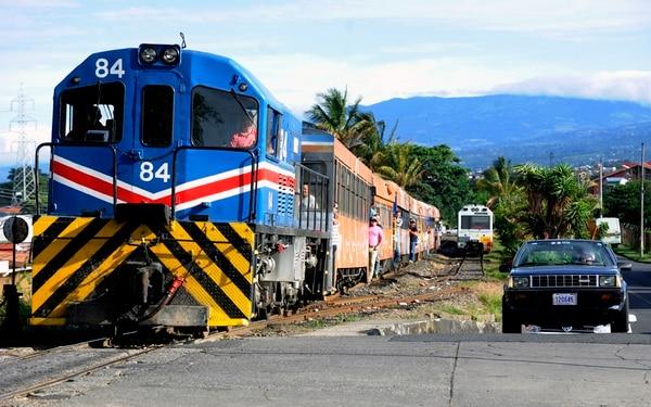 La Ley de Fortalecimiento del Incofer, aprobada en junio del 2016, salió del Congreso sin un solo elemento para brindar recursos frescos a los trenes interurbanos. | GRACIELA SOLÍS.