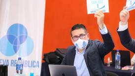 Fabricio Alvarado se opone a prohibir explotación de petróleo y gas natural