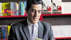 Gobierno francés condecora al escritor Nacer Wabeau con Orden de las Palmas Académicas