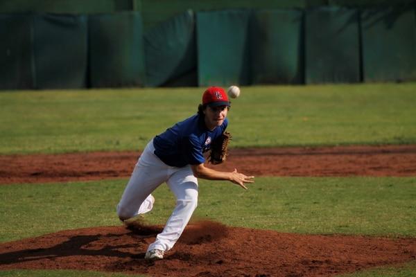 El lanzador Rubén Rojas, con apenas 17 años, jugó con la selección tica ante la Universidad de Oberlin de Japón. | CORTESÍA DE DT COMUNICACIÓN