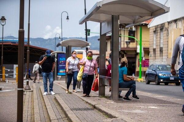 Autoridades de la Caja llaman a blindar a la población con factores de riesgo frente al covid-19. Fotografía: José Cordero/Archivo.