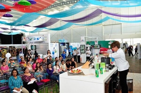 Demostración. Los chefs y los famosos demostrarán sus cualidades en la cocina durante la Expo Cocina y Sabores 2013. Estas imágenes corresponden al evento Vive la Expo 2013. Yorleny Alfaro para Ln.