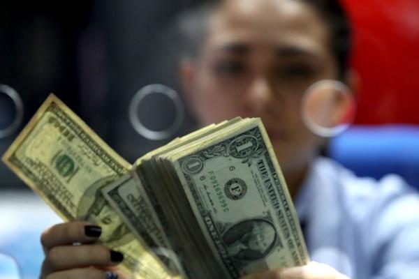 Para el periodo fiscal 2019 se considerarán las ganancias o pérdidas cambiarias tanto si son solo devengadas como si son realizadas; para el periodo fiscal 2020 en adelante, solo las realizadas. Fotografía: JOHN DURAN/ARCHIVO