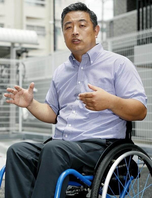 Hideto Kijima, de 44 años, regresaba de vacaciones cuando un empleado de Vanilla Air le informó de que las reglas de seguridad le impedían cargarlo.