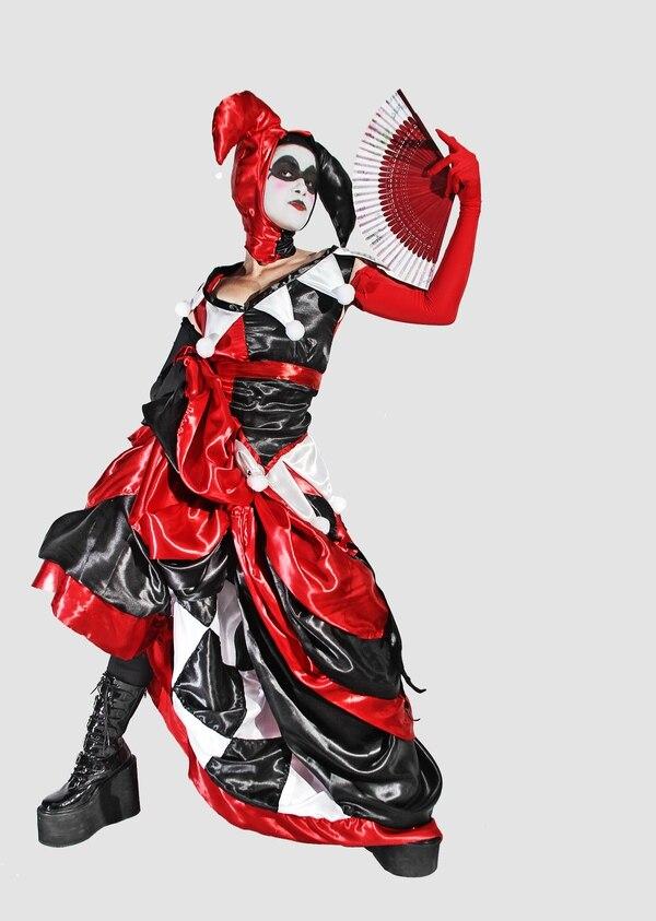 Los fiebres del cosplay muestran su talento con los trajes